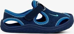 Granatowe buty dziecięce letnie Nike