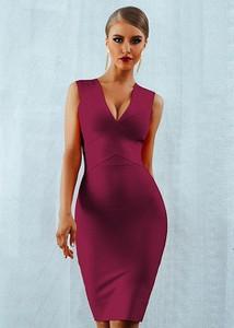 Fioletowa sukienka Rare dopasowana