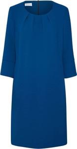 Niebieska sukienka René Lezard z okrągłym dekoltem z długim rękawem w stylu casual