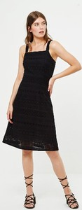 Czarna sukienka Surkana z okrągłym dekoltem midi