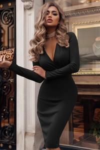 Czarna sukienka Ivet.pl z długim rękawem