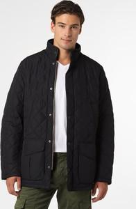 Czarna kurtka Barbour krótka w stylu casual