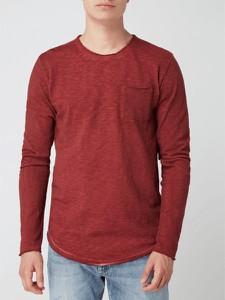 Czerwona koszulka z długim rękawem Tigha w stylu casual