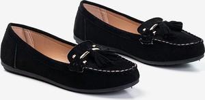 Czarne półbuty Royalfashion.pl z płaską podeszwą w stylu casual