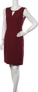 Czerwona sukienka Your Sixth Sense bez rękawów z dekoltem w kształcie litery v