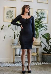 Czarna sukienka Olivkabutik.pl z długim rękawem