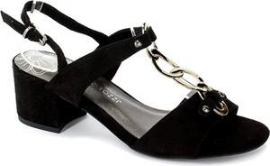 Sandały Marco Tozzi z tkaniny z klamrami