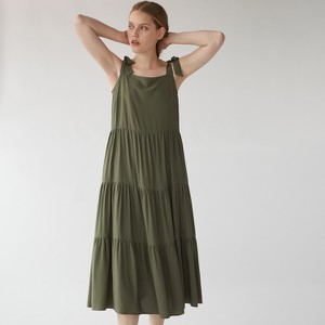 Sukienka Mohito z okrągłym dekoltem w stylu casual na ramiączkach