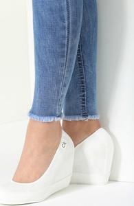 Renee białe koturny casual step