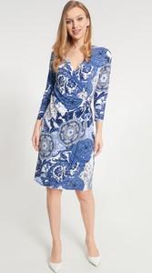 Sukienka QUIOSQUE midi z długim rękawem w stylu casual