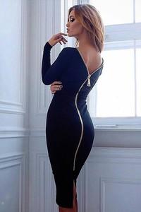 Niebieska sukienka Ivet.pl z dekoltem na plecach z długim rękawem