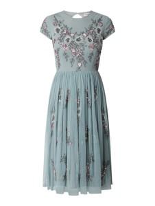 Sukienka Lace & Beads z dekoltem w kształcie litery v z krótkim rękawem