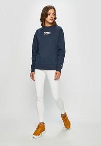 Bluza Tommy Jeans w młodzieżowym stylu krótka z dzianiny