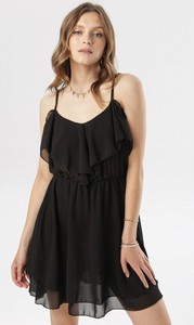 Czarna sukienka born2be w stylu casual z dekoltem w kształcie litery v na ramiączkach