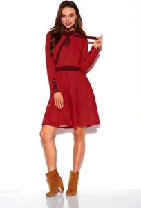 Czerwona sukienka N/A mini z długim rękawem