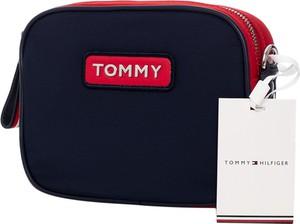 Czarna torebka Tommy Hilfiger z aplikacjami matowa