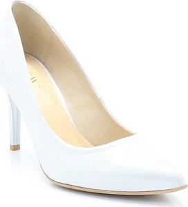 5b599c54 kolorowe buty do sukni ślubnej. Lewski 2169 srebrne - klasyczne szpilki  damskie