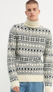 Sweter House w młodzieżowym stylu z żakardu