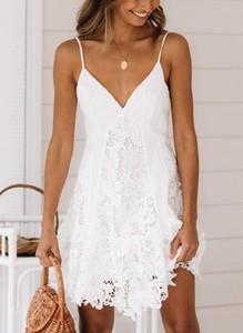 Sukienka Sandbella z dekoltem w kształcie litery v mini w stylu boho