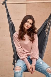Różowa bluzka Roco Fashion z weluru z okrągłym dekoltem w stylu casual