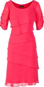 Różowa sukienka Poza z szyfonu z okrągłym dekoltem mini