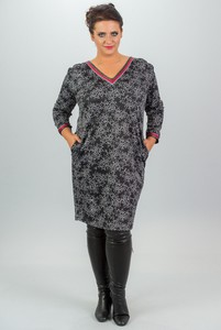 Sukienka KARKO z długim rękawem z dekoltem w kształcie litery v oversize