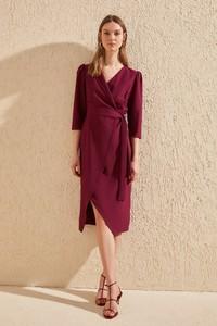 Fioletowa sukienka Trendyol z długim rękawem kopertowa z dekoltem w kształcie litery v