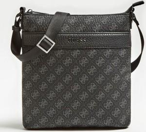 9c8a8da2958b6 Brązowa torebka Guess na ramię w młodzieżowym stylu średnia. 252zł. Guess.  sprawdź rozmiary. Torebka Guess z bawełny