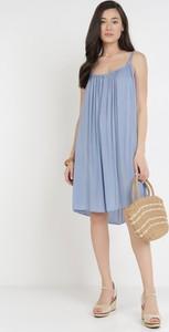 Niebieska sukienka born2be mini z okrągłym dekoltem