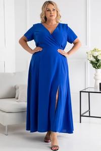 Niebieska sukienka KARKO z tkaniny z dekoltem w kształcie litery v dla puszystych