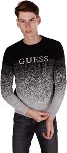 Czarny sweter Guess w młodzieżowym stylu z bawełny