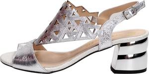Sandały Suzana z klamrami
