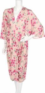 Sukienka Maite Kelly z dekoltem w kształcie litery v