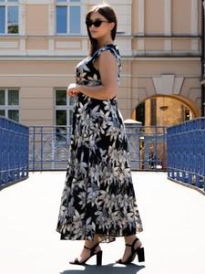 Sukienka KARKO z dekoltem w kształcie litery v bez rękawów maxi