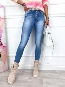 Niebieskie jeansy Infinityfashion.pl