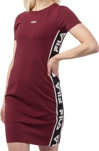 Sukienka Fila w sportowym stylu z okrągłym dekoltem z krótkim rękawem