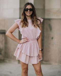 Różowa sukienka Promese z bawełny z krótkim rękawem