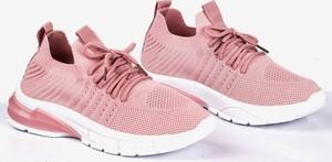 Różowe buty sportowe Royalfashion.pl z płaską podeszwą