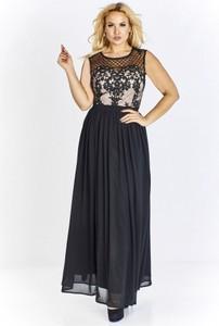 Granatowa sukienka QUARELLE z okrągłym dekoltem rozkloszowana maxi