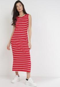 Czerwona sukienka born2be midi z okrągłym dekoltem