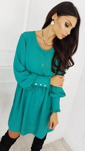 Zielona sukienka infinityfashion.pl z długim rękawem oversize z okrągłym dekoltem