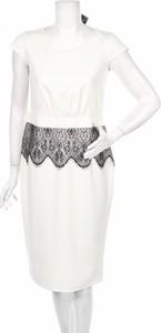 Sukienka Stylove z okrągłym dekoltem midi
