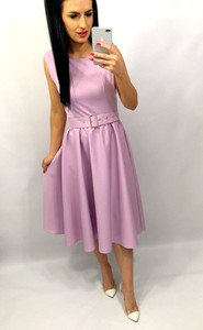 Sukienka livien.eu rozkloszowana z okrągłym dekoltem z tkaniny