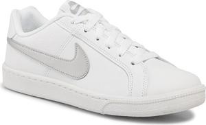 Trampki Nike z płaską podeszwą