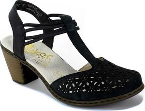 Granatowe sandały Rieker w stylu casual ze skóry na średnim obcasie