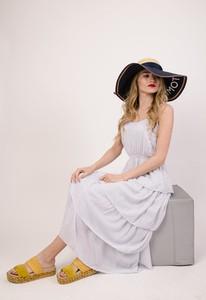 Sukienka Olika bez rękawów w stylu casual