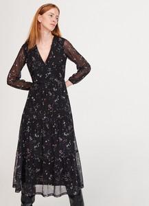 Sukienka Reserved z dekoltem w kształcie litery v rozkloszowana z długim rękawem
