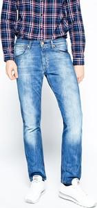 Błękitne jeansy Wrangler
