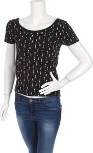 Czarna bluzka Sinsay z okrągłym dekoltem w stylu casual