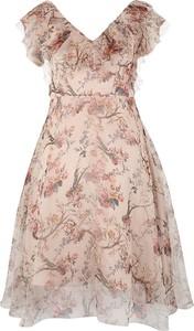 Sukienka Apart rozkloszowana mini z dekoltem w kształcie litery v